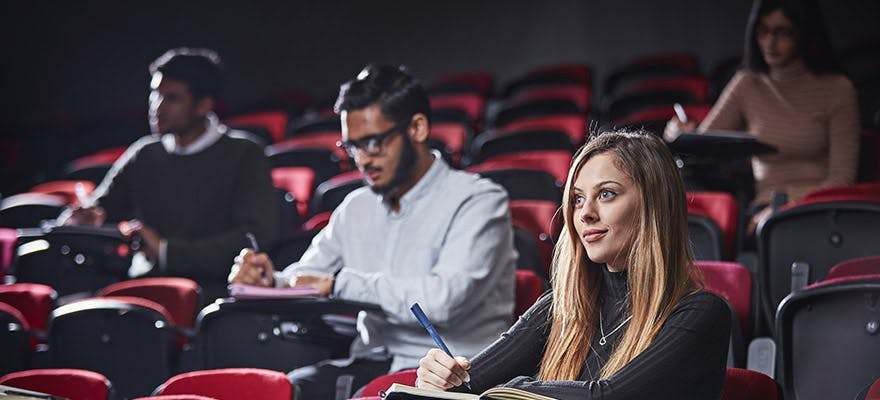 7 Event Management Reasons 880x400 - People in a lecture theatre