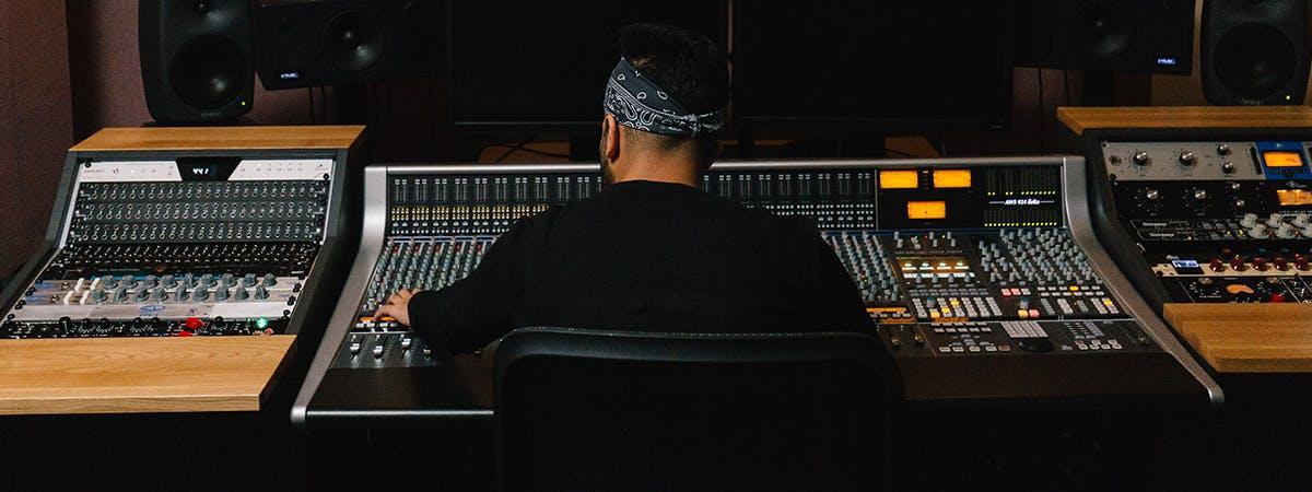 Sound Engineering Vs Music Technology
