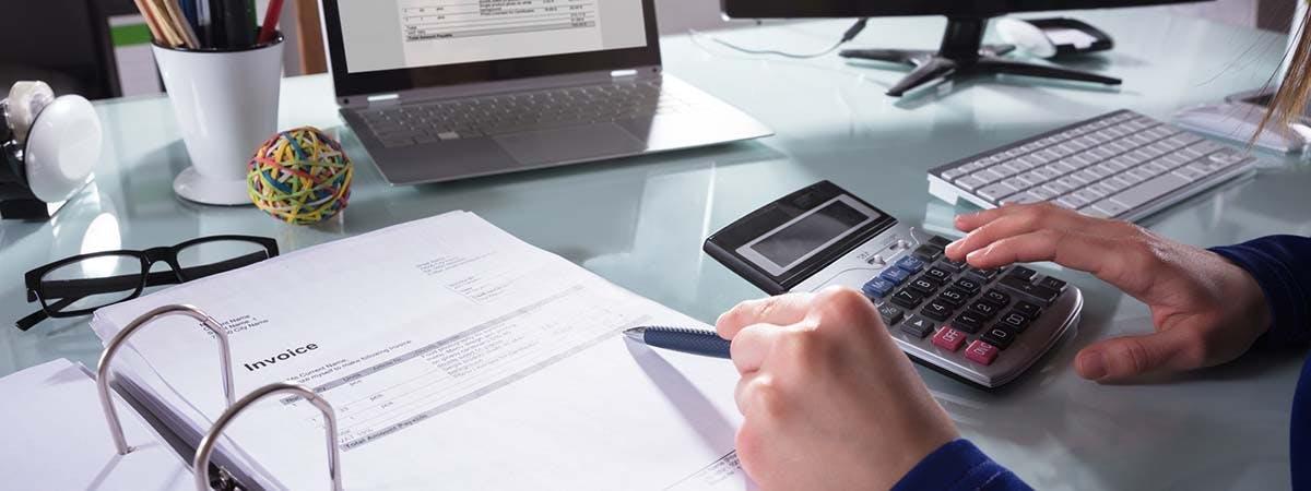 AF PG Courses 1200x450 - Business person at a desk
