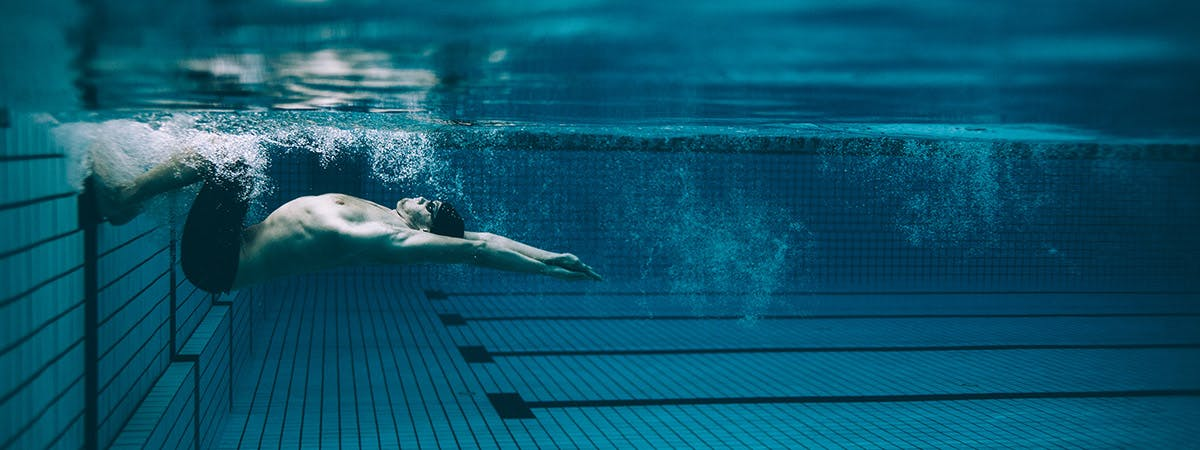 Elite swimmers' nutritional intake has been assessed to improve their performance