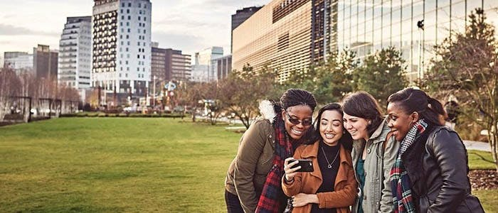 BCUIC 700x300 - Group of women posing for a selfie