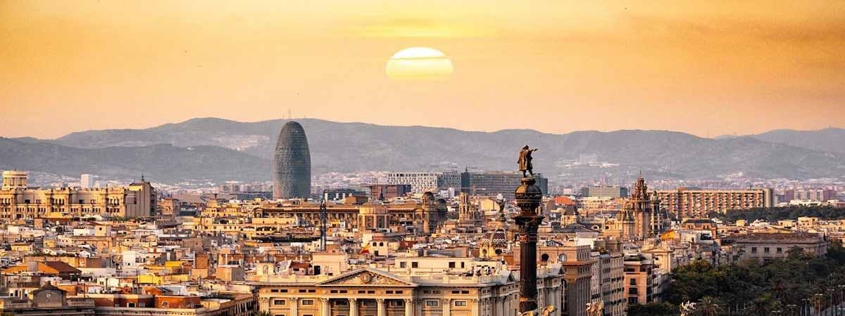 Conor Dennehy Erasmus Article 1200x450 - Barcelona skyline