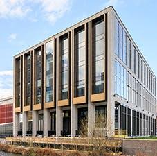 商学院-首页-我们的设施翻转卡-可胜B