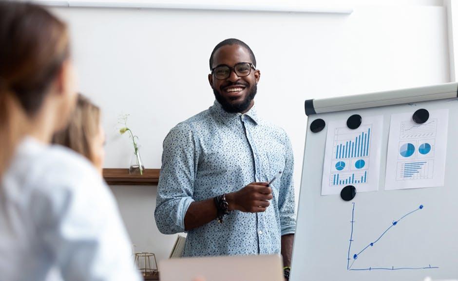 亚博有效投注额商业服务——发展你的业务