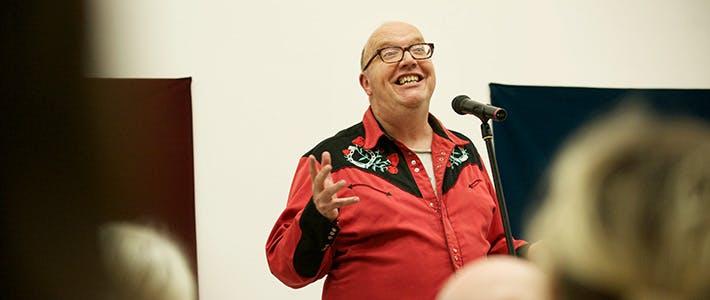 Slider ICCW launch man red shirt