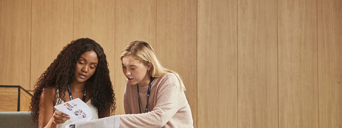 International MBA Course Image 1200x450 - Two women with a laptop