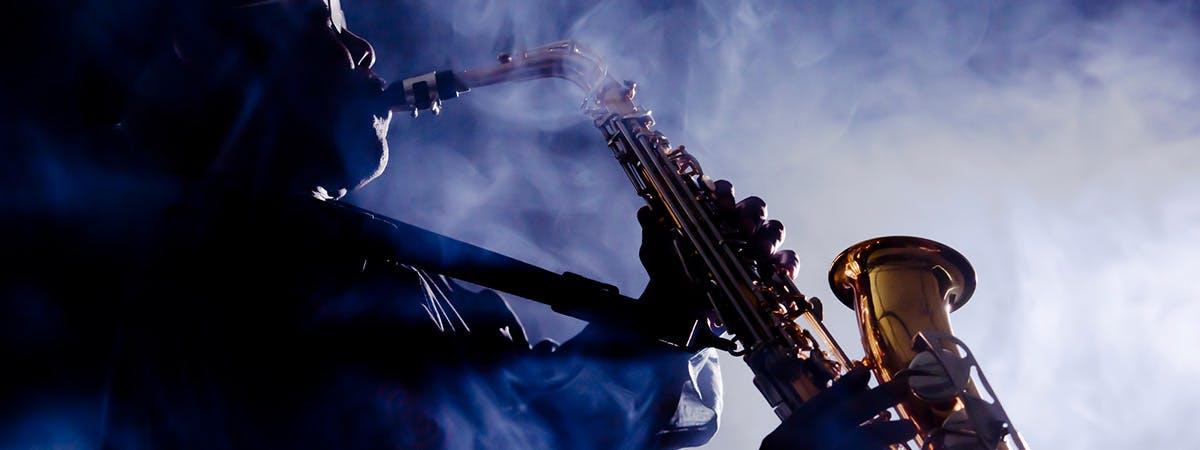 Jazz musician playing the saxaphone