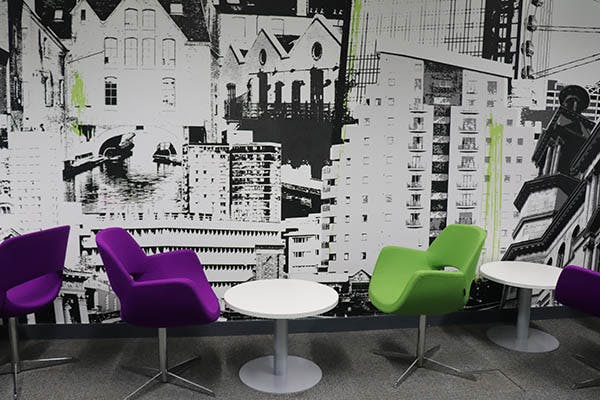 Marketing Link Agency 1 600x400 - Green and purple chairs