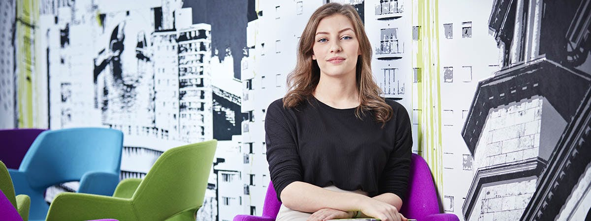 Business School Campaign Images - Marketing 1200x450 - Woman in the Link Agency