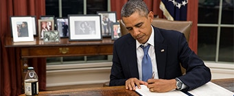 Centre for American Legal Studies Ortiz Quad Image 341x140 - Barack Obama signing a document