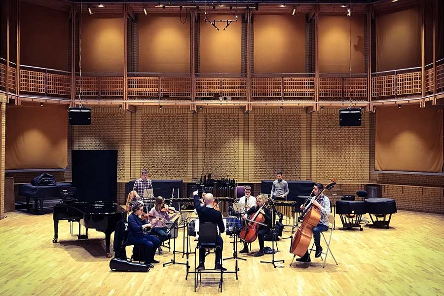 Performance - composition