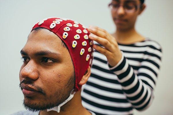 Psychology Labs 2 600x400 - EEG Scanner