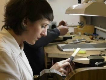 Rebecca Struthers- School of Jewellery alumni