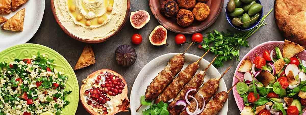 Restaurants for each culture 1200x450 - Food on a table